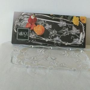 Mikasa Parisian Cristal ivy oval canape tray